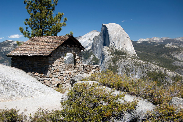 The geology hut on Glacier Point looking at Half Dome, Yosemite National Park.